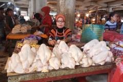 ibu-ali-penjual-ayam-potong_20170705_112929